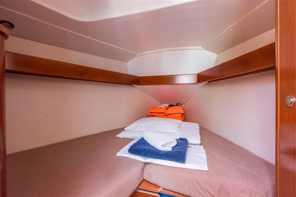 Boat rental ACI marina Pomer cheap Oceanis 31