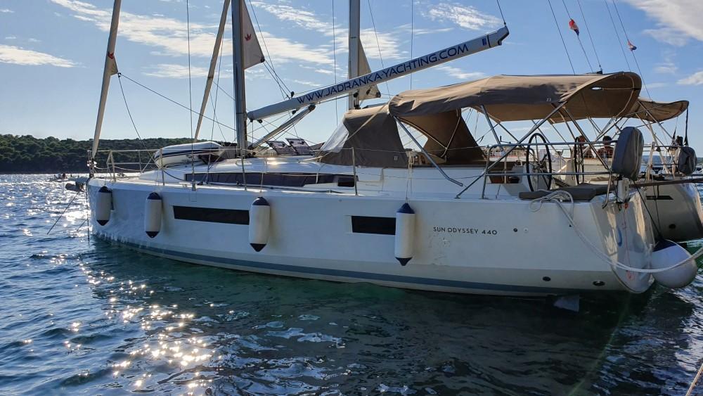 Boat rental Jeanneau Sun Odyssey 440 in ACI marina Pomer on Samboat