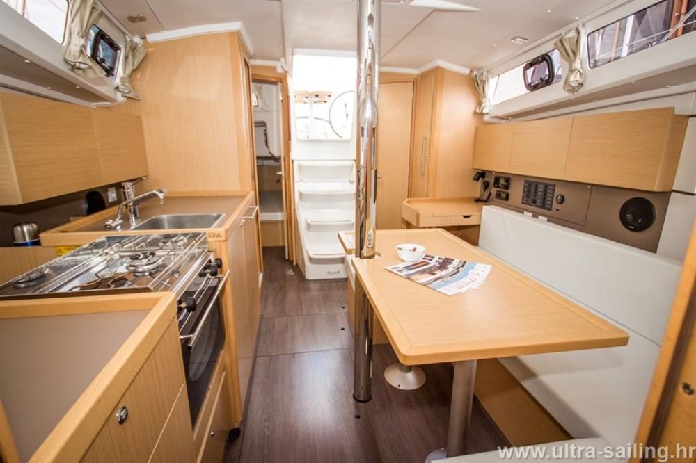 Rental yacht ACI Marina Split - Bénéteau Oceanis 35 on SamBoat
