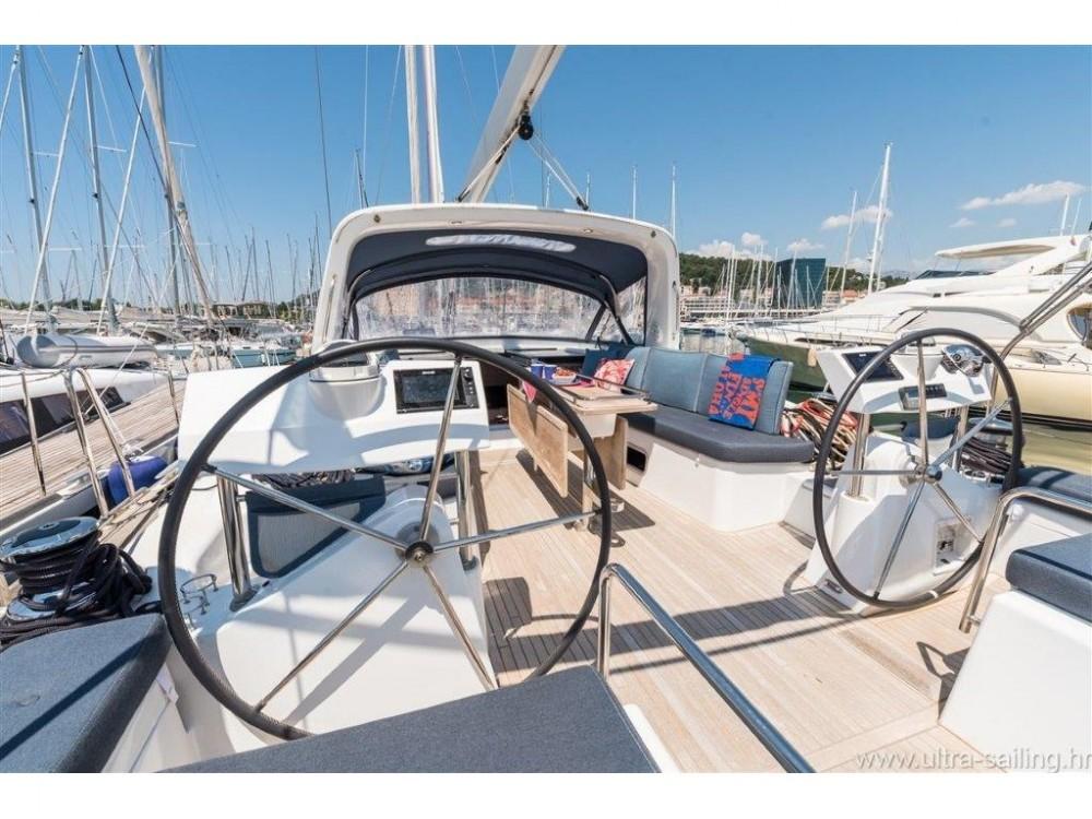 Rental Sailboat in Split - Bénéteau Oceanis 60