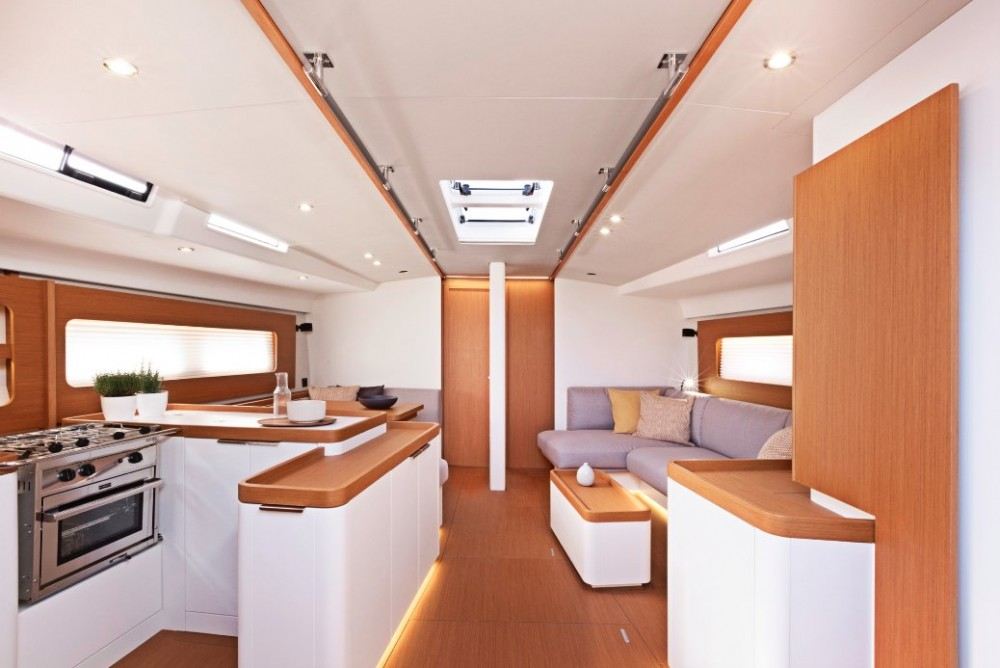Bénéteau First Yacht 53 between personal and professional Split