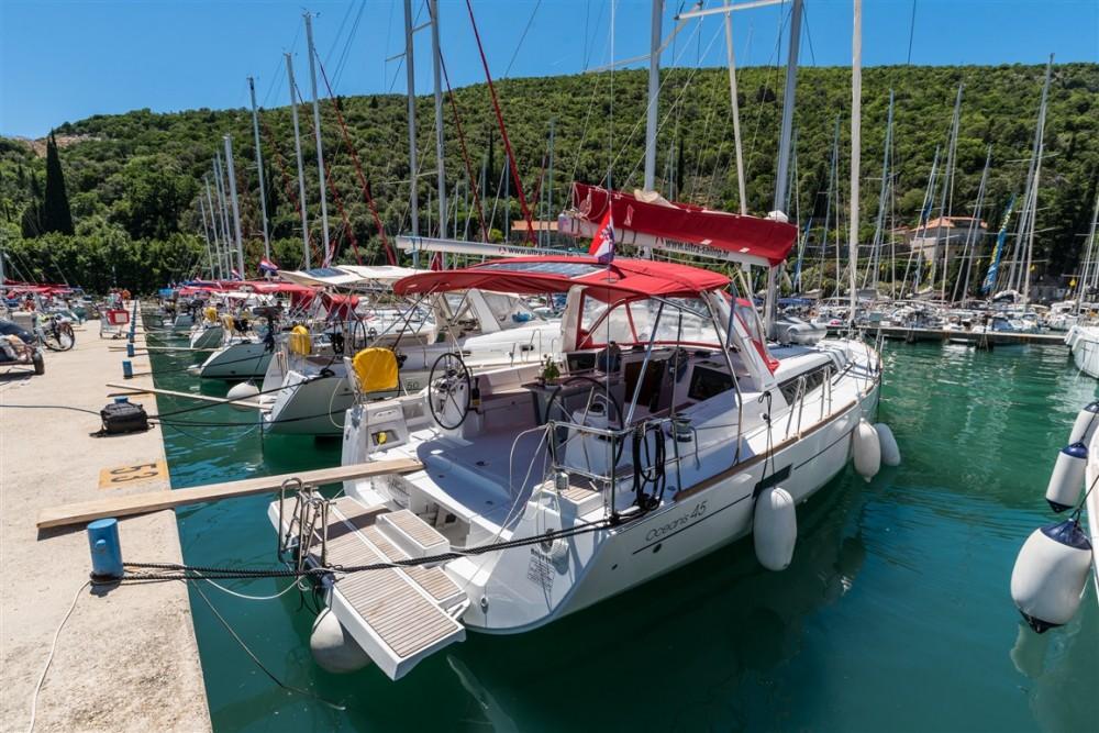 Boat rental Bénéteau Oceanis 45 in ACI Marina Split on Samboat