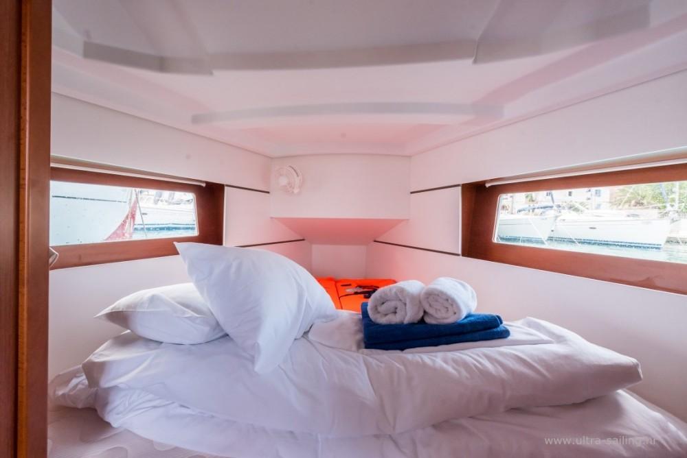 Boat rental Bénéteau Oceanis 35.1 in ACI Marina Split on Samboat