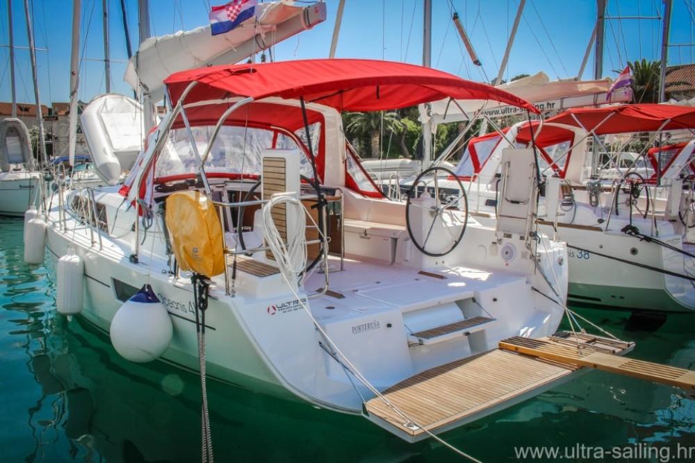Rental yacht Pomer - Bénéteau Oceanis 41.1 on SamBoat