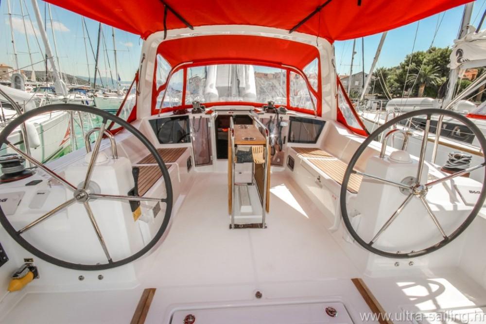 Boat rental Pomer cheap Oceanis 41.1