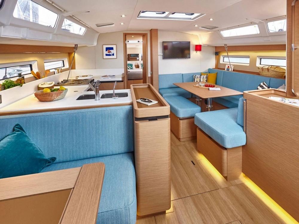 Rental yacht Alimos Marina - Jeanneau Sun Odyssey 490 on SamBoat