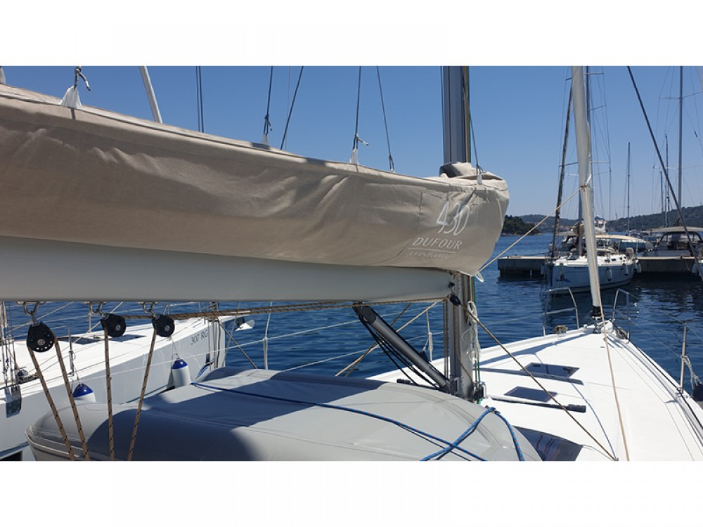 Rental Sailboat in Rogoznica - Dufour Dufour 430 Grand Large