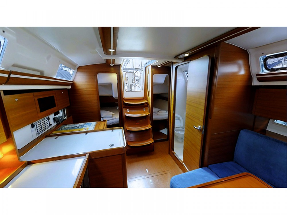 Boat rental Dufour Dufour 375 Grand Large in Rogoznica on Samboat