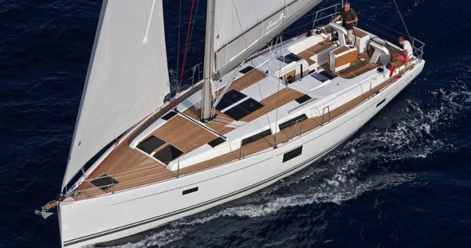 Boat rental Hanse Hanse 455 in Athens on Samboat