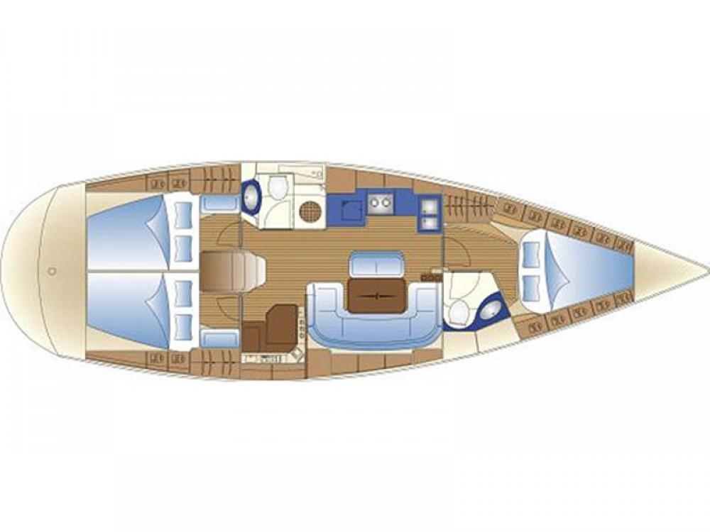 Rental yacht Álimos - Bavaria Bavaria 42 Cruiser on SamBoat