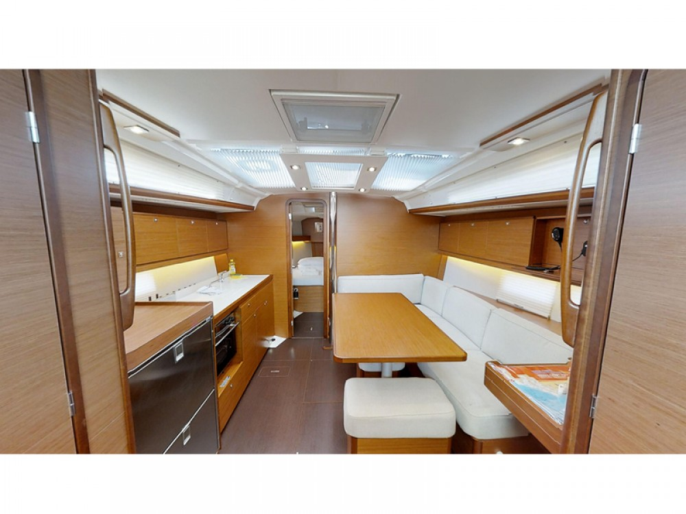 Rental yacht Rogoznica - Dufour Dufour 390 Grand Large on SamBoat