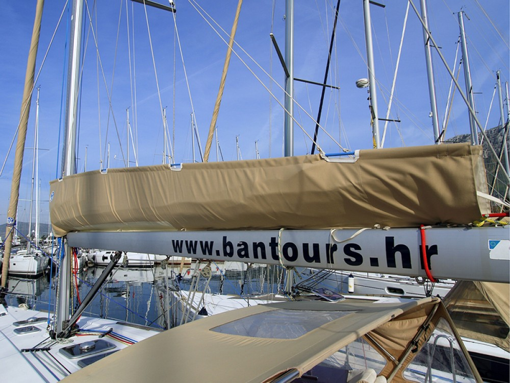 Rental Sailboat in Rogoznica - Dufour Dufour 405 Grand Large