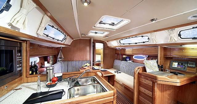 Rental yacht Athens - Bavaria Bavaria 34 Cruiser on SamBoat
