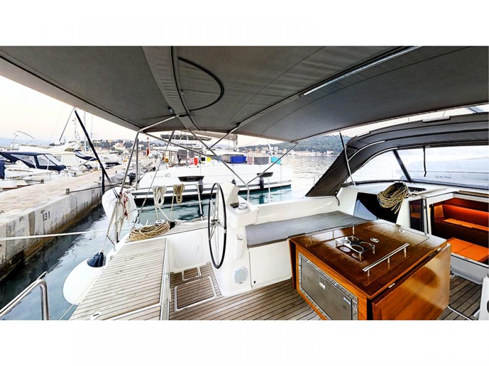 Rental Sailboat in Rogoznica - Dufour Dufour 520 Grand Large