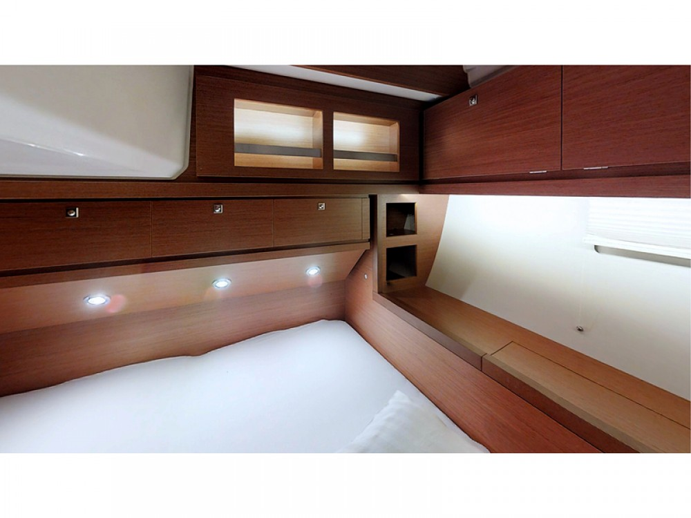 Boat rental Dufour Dufour 520 Grand Large in Rogoznica on Samboat