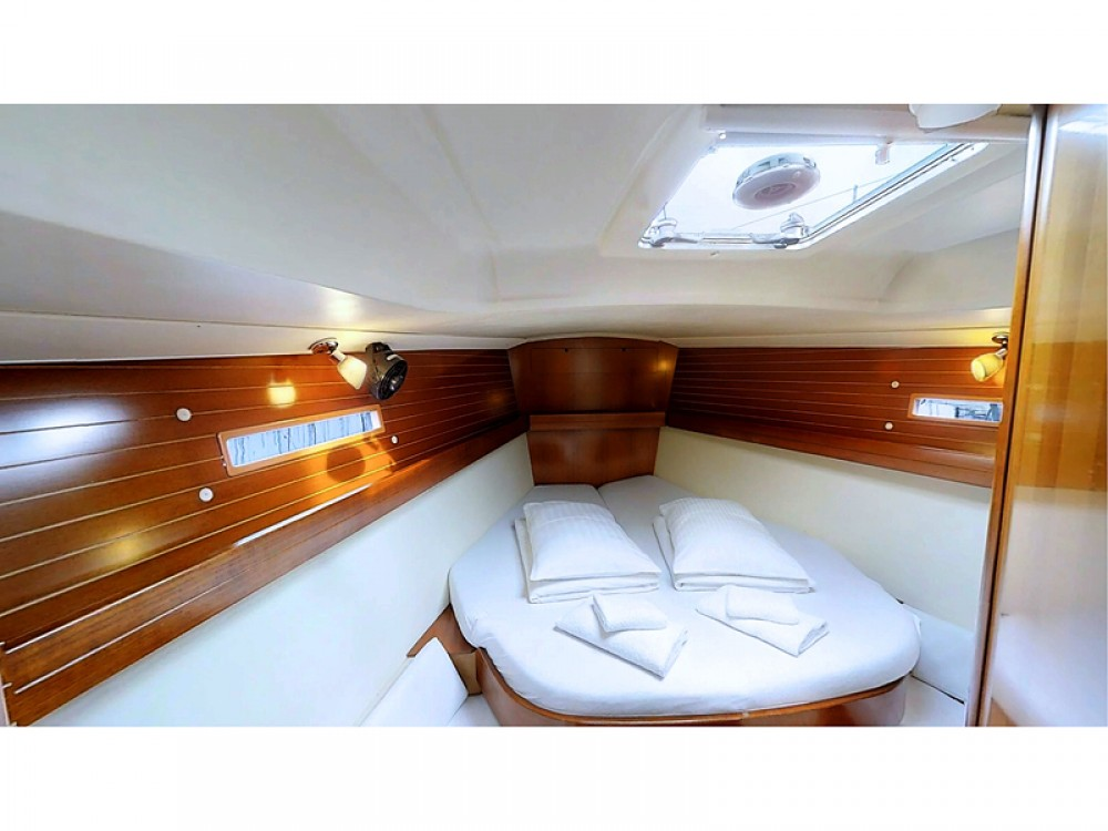 Rent a Dufour Dufour 425 Grand Large Rogoznica