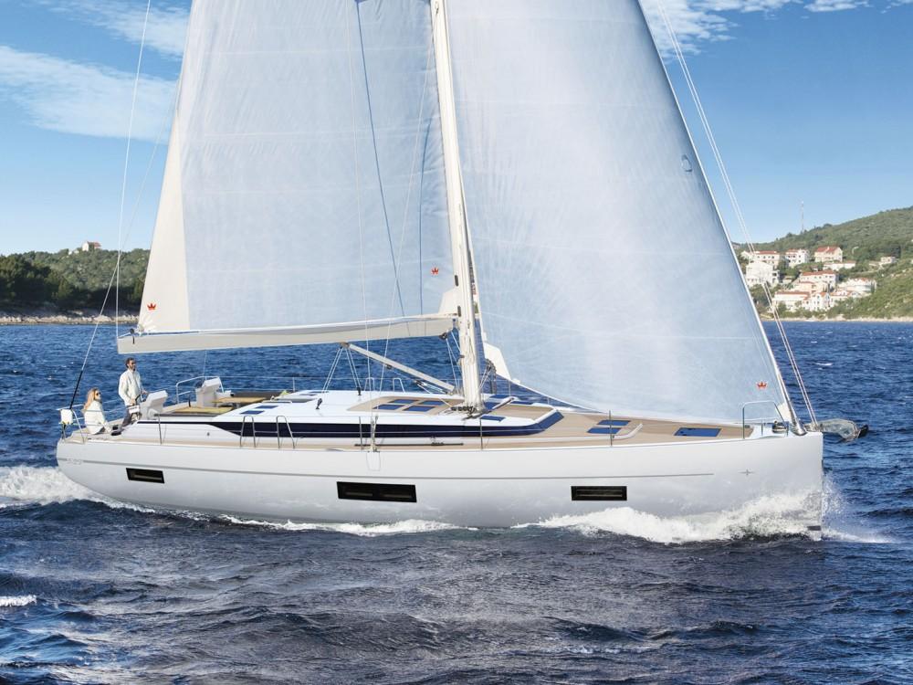 Rental Sailboat in Álimos - Bavaria Bavaria C50
