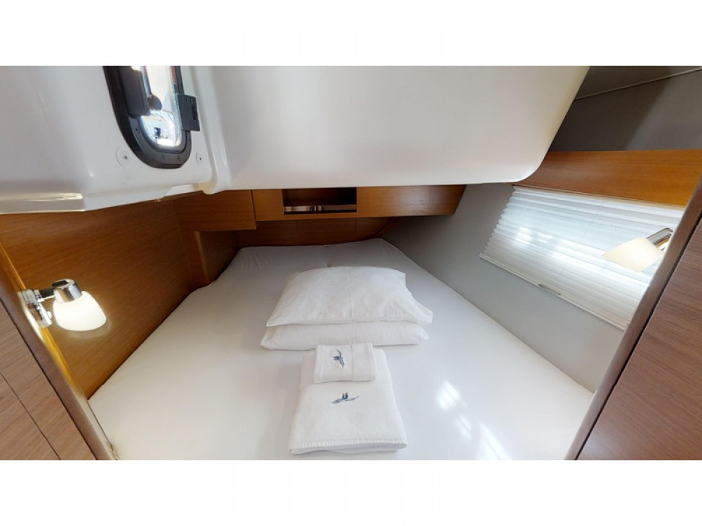 Boat rental Dufour Dufour 390 Grand Large in Rogoznica on Samboat