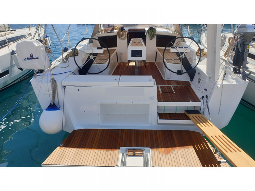 Rental Sailboat in Rogoznica - Dufour Dufour 430 Grand Large