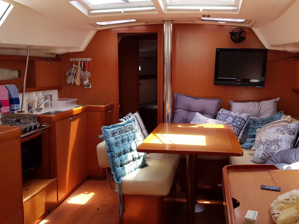 Boat rental Álimos cheap Oceanis 46