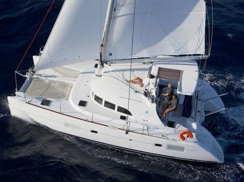 Rental Catamaran in Paros Island - Lagoon Lagoon 380