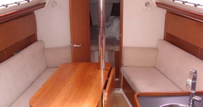 Boat rental Hanse Hanse 325 in Athens on Samboat