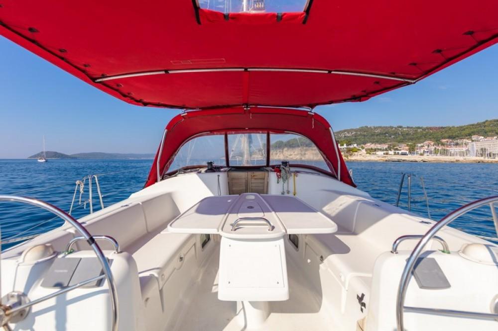 Boat rental Bénéteau Beneteau Cyclades 43.3 in ACI Marina Split on Samboat