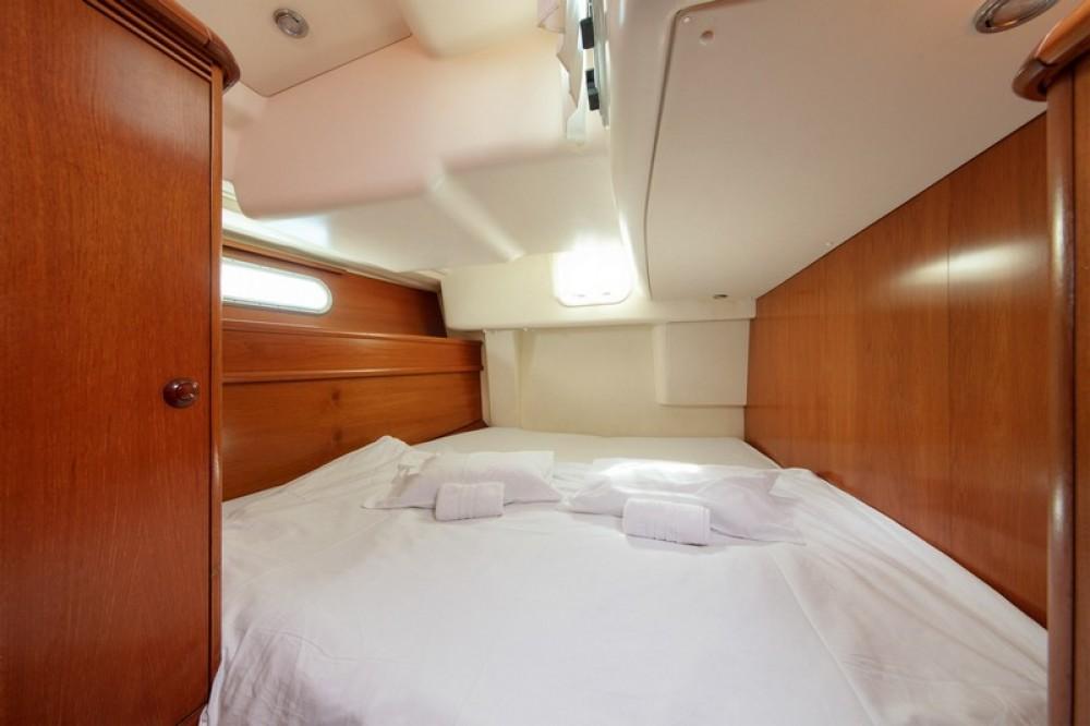 Rent a Jeanneau Sun Odyssey 54DS Split