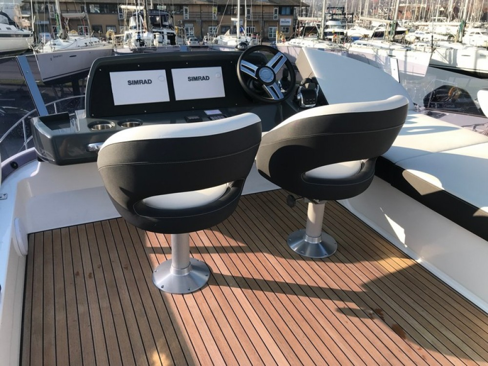 Motor boat for rent Kaštel Gomilica at the best price