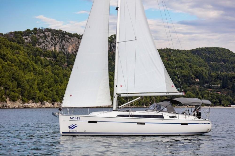 Boat rental Bavaria Bavaria Cruiser 41 in Split on Samboat