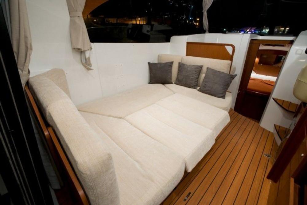 Rental yacht Split - Bénéteau Beneteau Antares 30 Fly on SamBoat