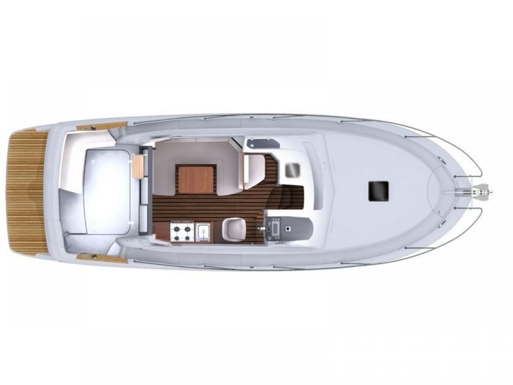 Boat rental Bénéteau Beneteau Antares 30 Fly in Split on Samboat