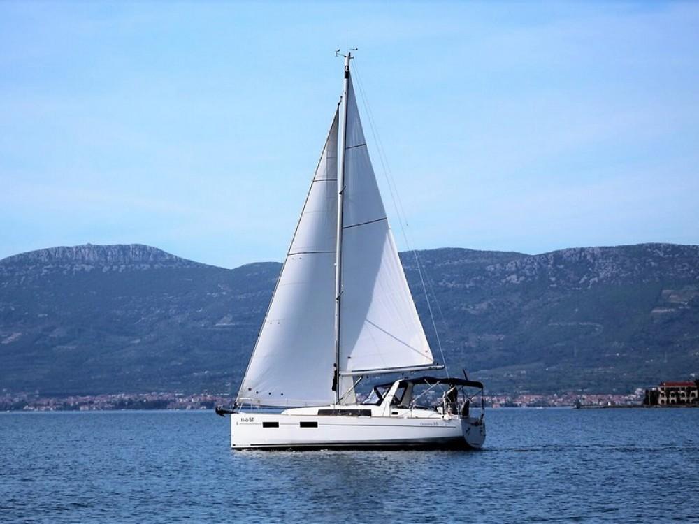 Rent a Bénéteau Beneteau Oceanis 35 ACI Marina Split