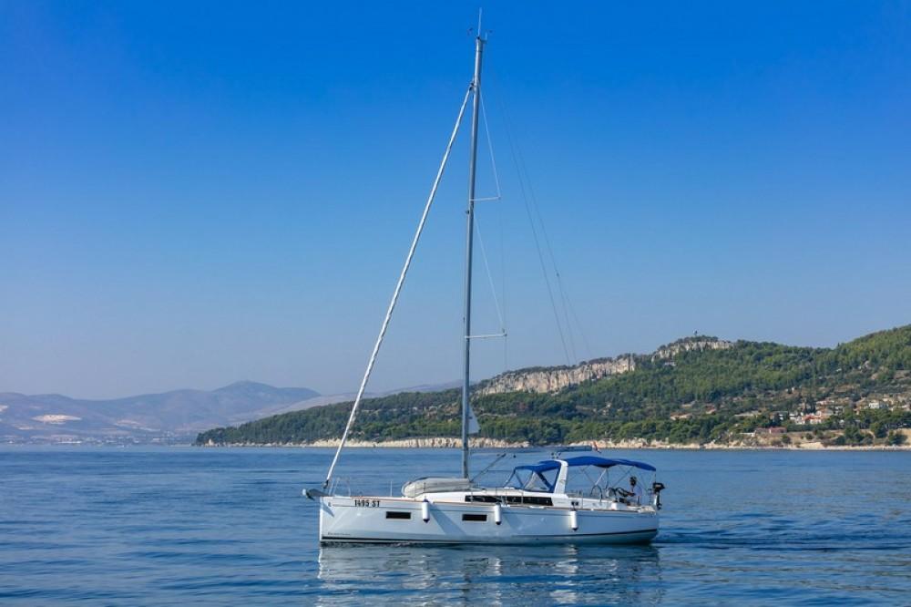 Rent a Bénéteau Beneteau Oceanis 38.1 ACI Marina Split