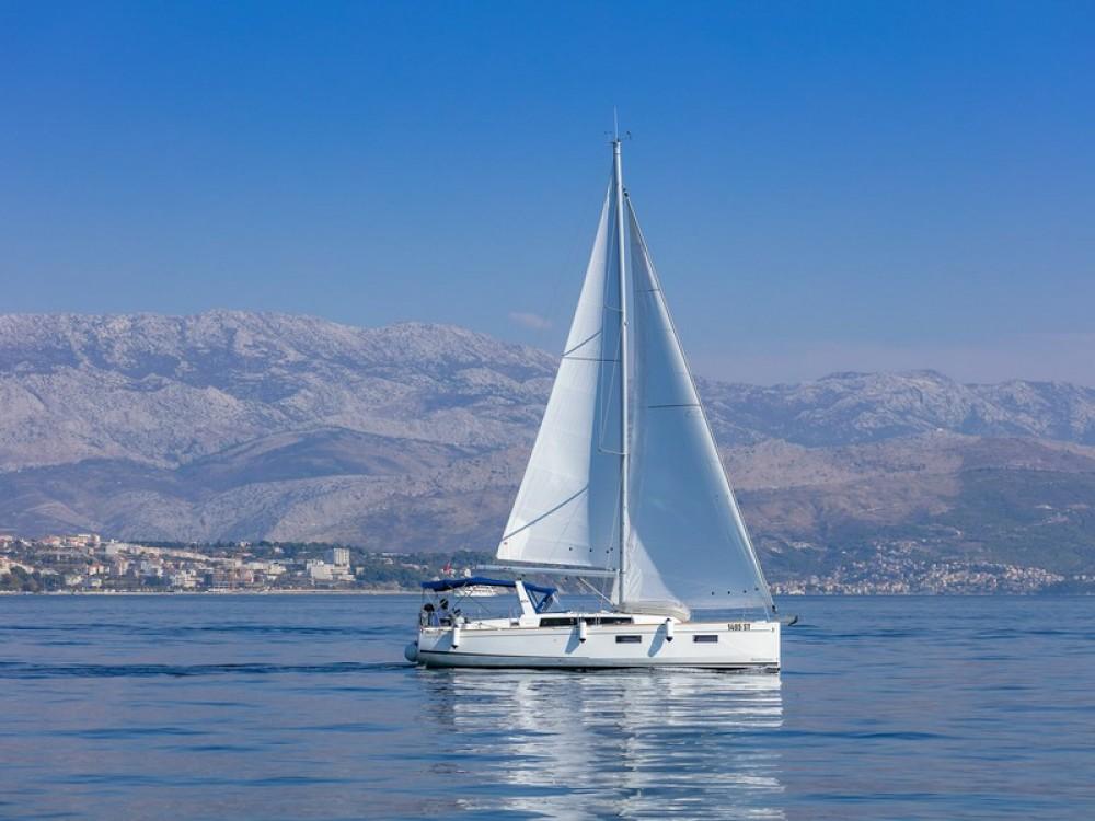 Boat rental Bénéteau Beneteau Oceanis 38.1 in ACI Marina Split on Samboat
