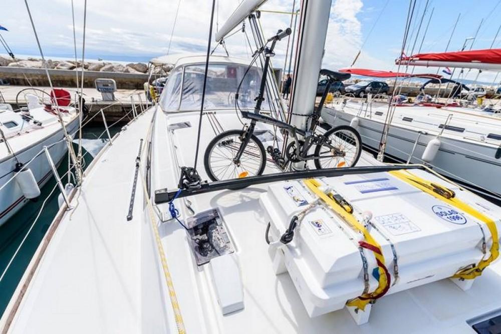 Boat rental Bénéteau Beneteau Oceanis 48 in Split on Samboat
