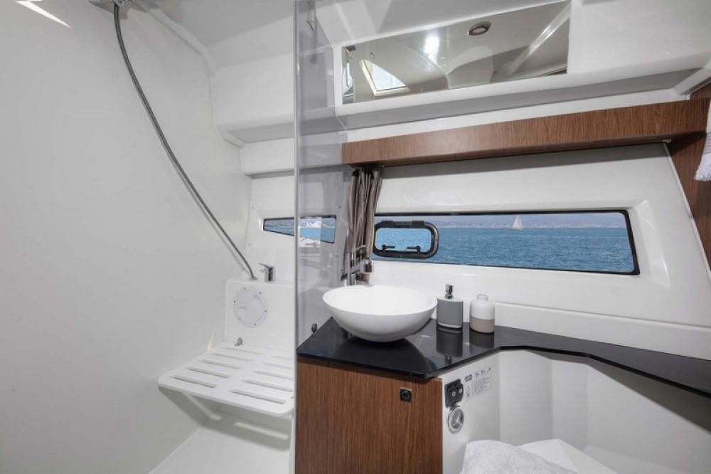 Rental yacht Split - Jeanneau Jeanneau Merry Fisher 1095 on SamBoat