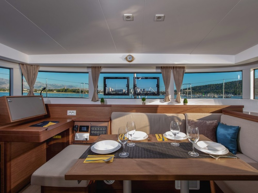 Rental Catamaran in Kaštel Gomilica - Lagoon Lagoon 40
