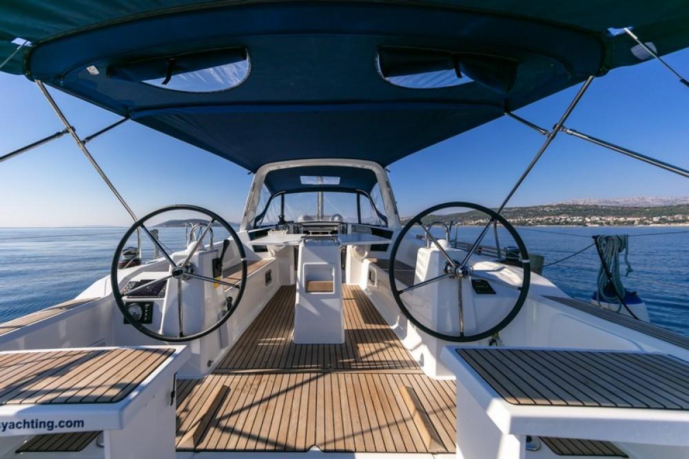 Boat rental Bénéteau Beneteau Oceanis 38.1 in Split on Samboat