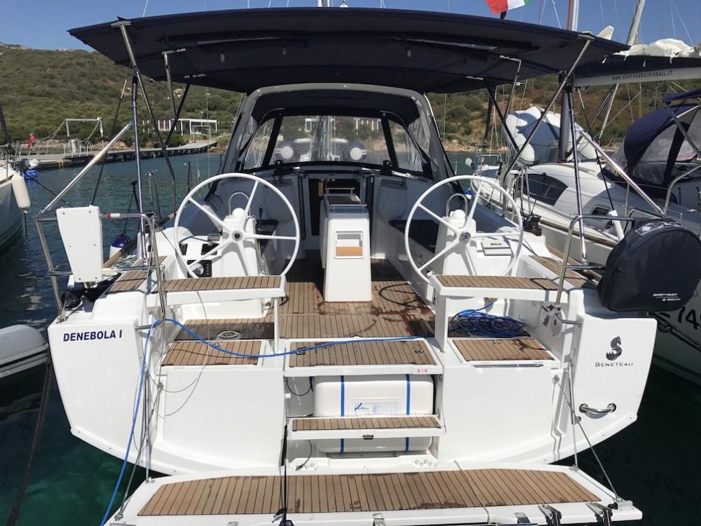 Rent a Bénéteau Oceanis 38.1 Castiglioncello