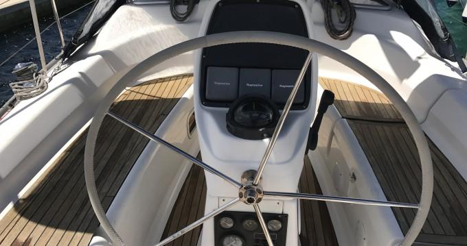 Boat rental Castiglioncello cheap Bavaria 31 Cruiser