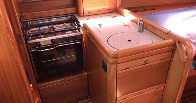 Rental Sailboat in Castiglioncello - Bavaria Bavaria 31 Cruiser