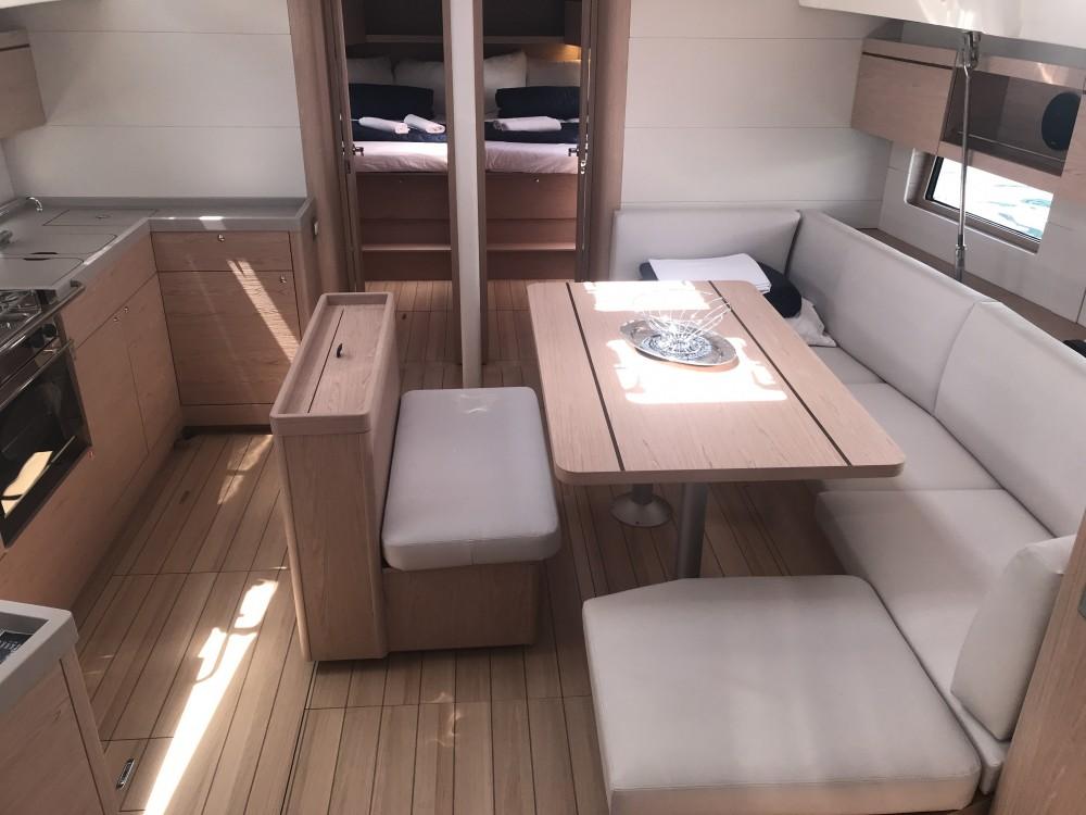 Rental yacht Castiglioncello - Bénéteau Oceanis 46.1 (5 cab) on SamBoat