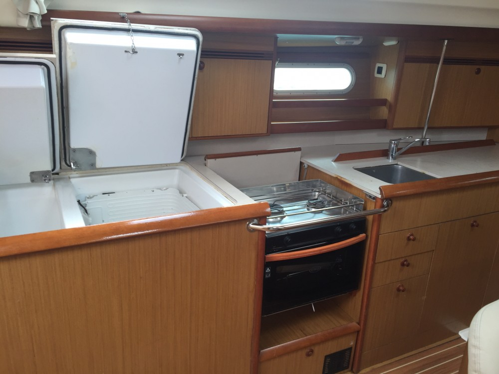 Hire Sailboat with or without skipper Jeanneau Castiglioncello