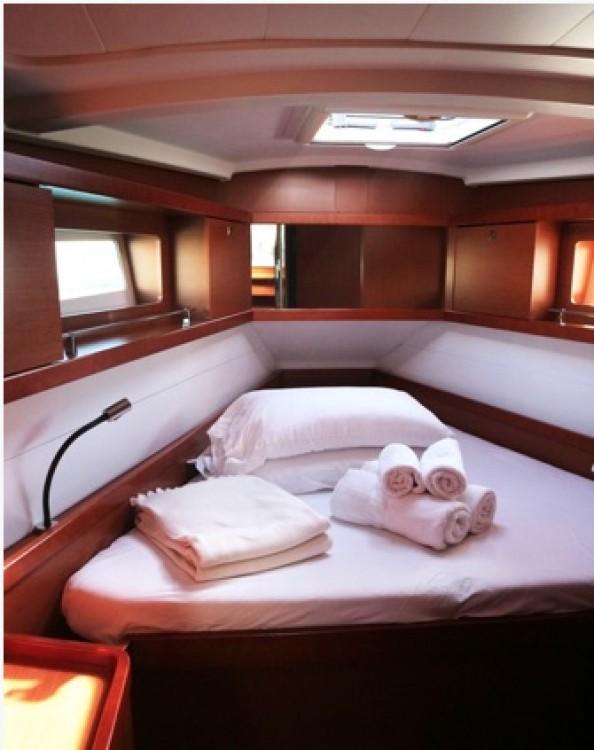 Rental yacht Palma - Bénéteau Oceanis 41 on SamBoat