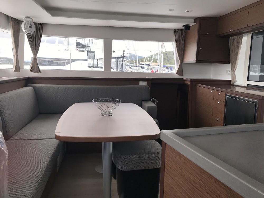 Boat rental  cheap Lagoon 450F