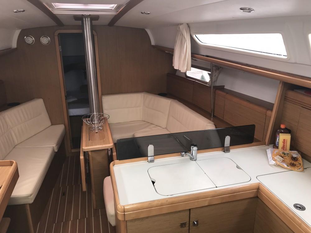 Boat rental Jeanneau Sun Odyssey 36i in Olbia on Samboat