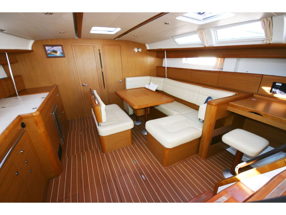 Jeanneau Sun Odyssey 49i between personal and professional St. George's