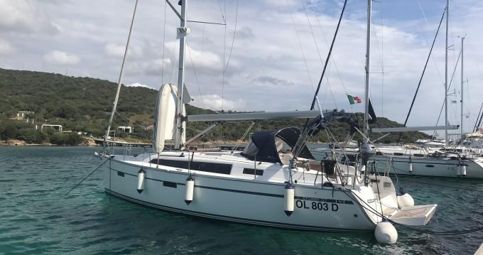 Rental Sailboat in Portisco - Bavaria Bavaria Cr 37