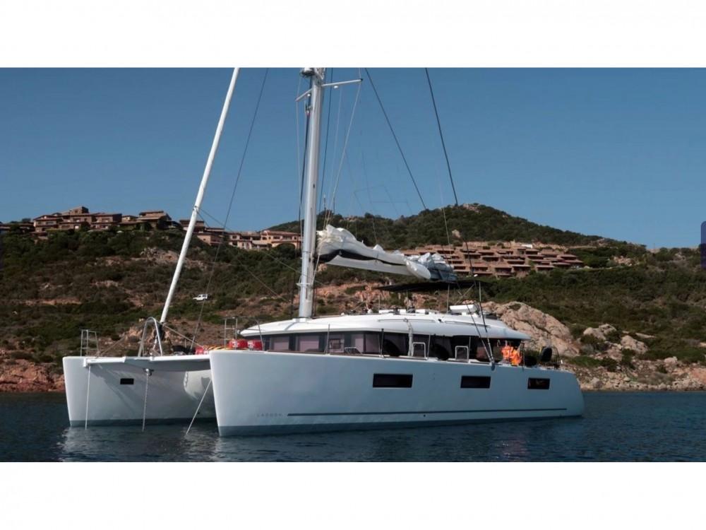 Catamaran for rent Cala dei Sardi at the best price